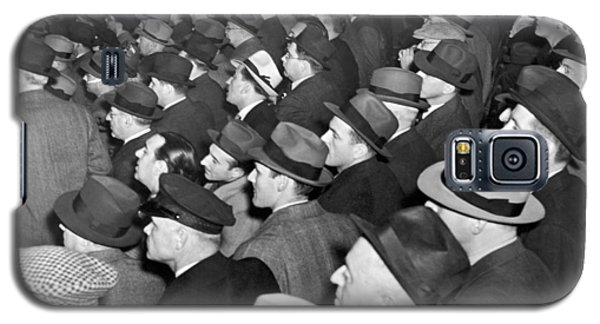 Baseball Fans At Yankee Stadium For The Third Game Of The World Galaxy S5 Case by Underwood Archives