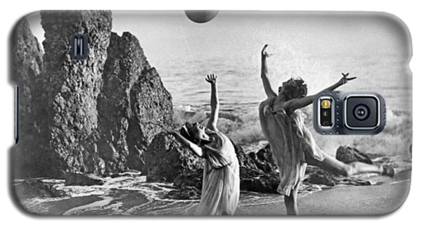 Beach Ball Dancing Galaxy S5 Case by Underwood Archives