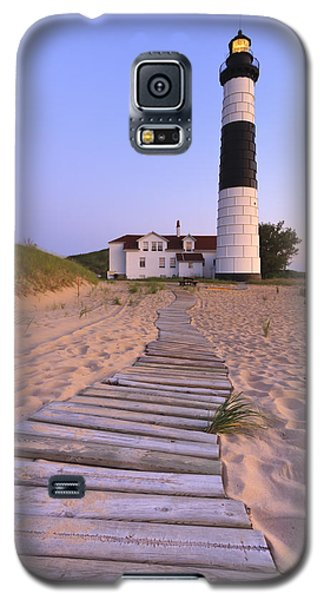 Big Sable Point Lighthouse Galaxy S5 Case by Adam Romanowicz