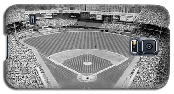 Black And White Yankee Stadium Galaxy S5 Case by Horsch Gallery