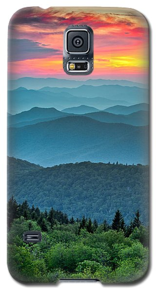 Landscapes Galaxy S5 Cases - Blue Ridge Parkway Sunset - The Great Blue Yonder Galaxy S5 Case by Dave Allen