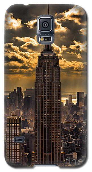 Landmarks Galaxy S5 Cases - Brilliant But Hazy Manhattan Day Galaxy S5 Case by John Farnan