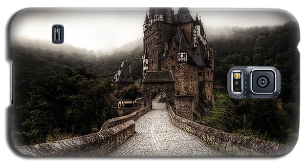 Castle In The Mist Galaxy S5 Case by Ryan Wyckoff