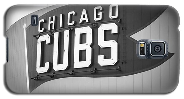 Chicago Cubs Wrigley Field Sign Black And White Picture Galaxy S5 Case by Paul Velgos