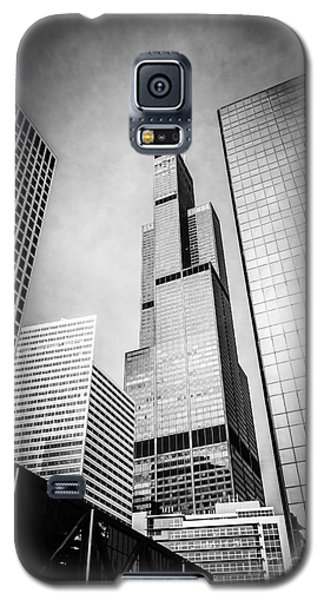 Chicago Willis-sears Tower In Black And White Galaxy S5 Case by Paul Velgos