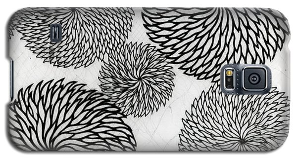 Tapestries - Textiles Galaxy S5 Cases - Chrysanthemums Galaxy S5 Case by Japanese School