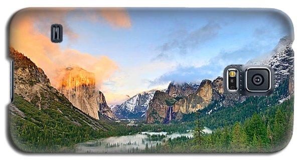 Colors Of Yosemite Galaxy S5 Case by Jamie Pham
