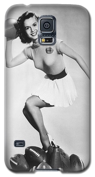 Debbie Reynolds Throws A Pass Galaxy S5 Case by Underwood Archives