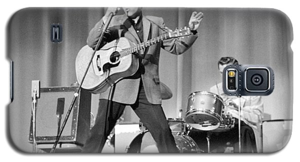 Elvis Presley And D.j. Fontana Performing In 1956 Galaxy S5 Case by The Harrington Collection