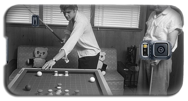 Elvis Presley And Vernon Playing Bumper Pool 1956 Galaxy S5 Case by The Harrington Collection