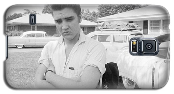 Elvis Presley With His Cadillacs 1956 Galaxy S5 Case by The Harrington Collection