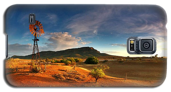 Landscapes Galaxy S5 Cases - First Light on Wilpena Pound Galaxy S5 Case by Bill  Robinson
