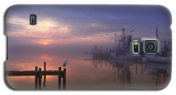 Foggy Sunset Over Swansboro Galaxy S5 Case by Benanne Stiens