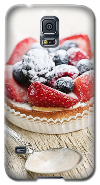 Fruit Tart With Spoon Galaxy S5 Case by Elena Elisseeva