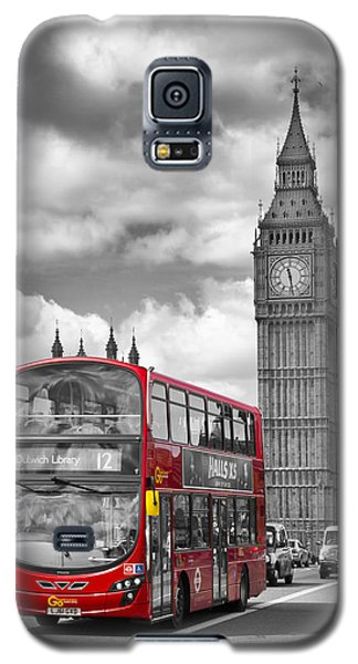London - Houses Of Parliament And Red Bus Galaxy S5 Case by Melanie Viola