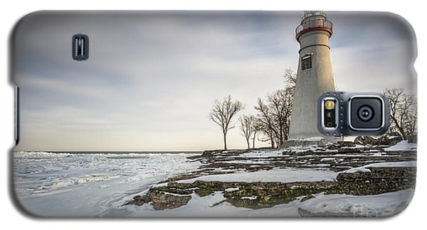 Marblehead Lighthouse Winter Galaxy S5 Case by James Dean