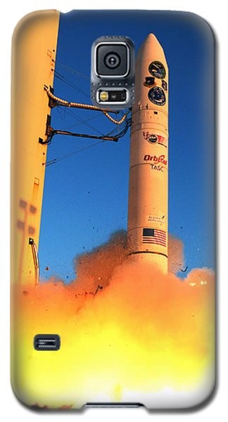 Minotaur Iv Rocket Launches Falconsat-5 Galaxy S5 Case by Science Source