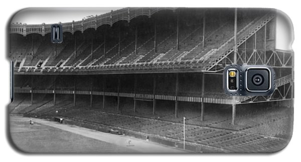 New Yankee Stadium Galaxy S5 Case by Underwood Archives