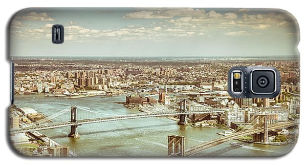 New York City - Brooklyn Bridge And Manhattan Bridge From Above Galaxy S5 Case by Vivienne Gucwa