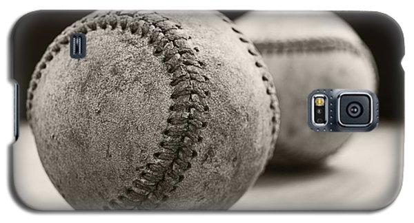 Old Baseballs Galaxy S5 Case by Edward Fielding