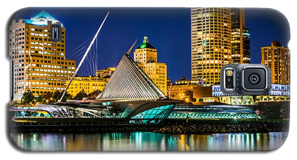 Picture Of Milwaukee Skyline At Night Galaxy S5 Case by Paul Velgos