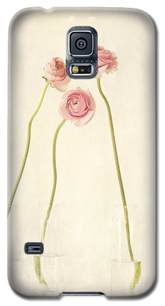 Still Life Galaxy S5 Cases - Renoncules Galaxy S5 Case by Priska Wettstein
