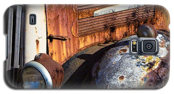 Rusty Truck Detail Galaxy S5 Case by Garry Gay