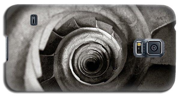 Sagrada Familia Steps Galaxy S5 Case by Dave Bowman