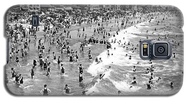 Santa Monica Beach In December Galaxy S5 Case by Underwood Archives