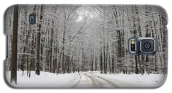 Snowy Road In Oak Openings 7058 Galaxy S5 Case by Jack Schultz