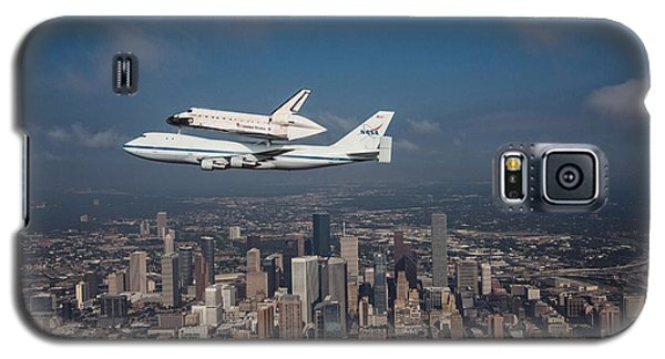 Space Shuttle Endeavour Over Houston Texas Galaxy S5 Case by Movie Poster Prints