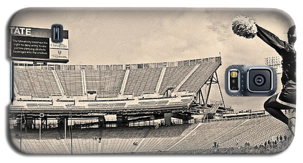 Stadium Cheer Black And White Galaxy S5 Case by Tom Gari Gallery-Three-Photography