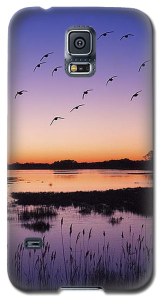 Sunrise At Assateague - Wetlands - Silhouette  Galaxy S5 Case by Shara Lee