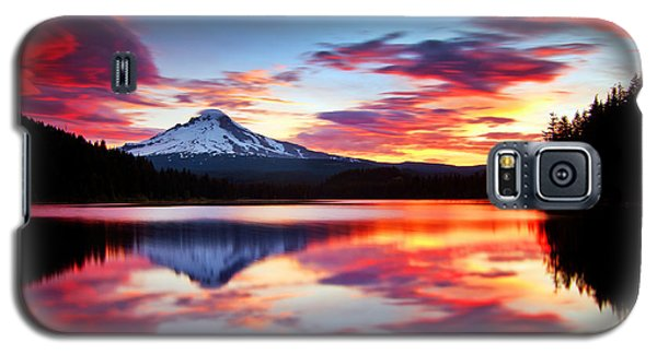 Sunrise On The Lake Galaxy S5 Case by Darren  White