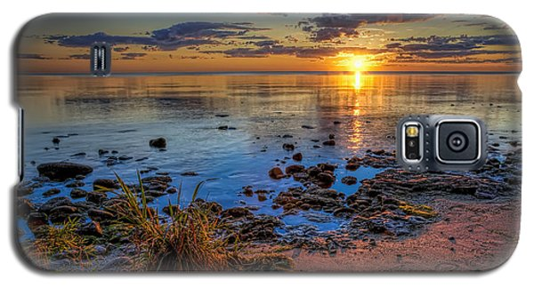 Sunrise Over Lake Michigan Galaxy S5 Case by Scott Norris