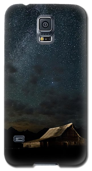 Moon Galaxy S5 Cases - The milky way on Moulton Barn - Grand Teton National Park Galaxy S5 Case by Andres Leon