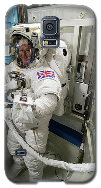 Tim Peake Preparing For Spacewalk Galaxy S5 Case by Nasa