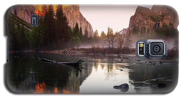 Valley View Winter Sunset Yosemite National Park Galaxy S5 Case by Scott McGuire