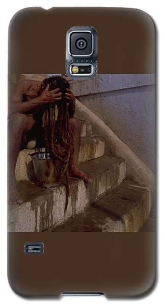 Galaxy S5 Case featuring the photograph Varanasi Hair Wash by Travel Pics