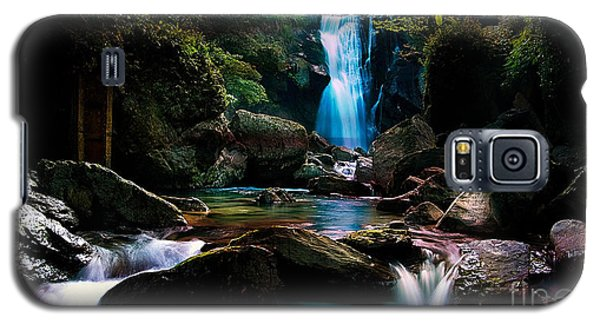 Waterfall And Light Galaxy S5 Case by Marvin Blaine