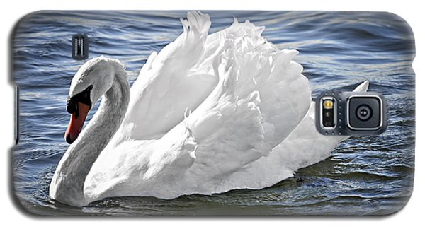 White Swan On Water Galaxy S5 Case by Elena Elisseeva