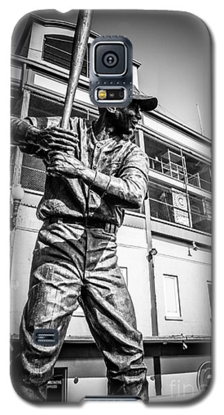 Wrigley Field Ernie Banks Statue In Black And White Galaxy S5 Case by Paul Velgos