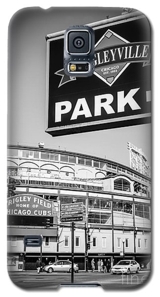 Wrigleyville Sign And Wrigley Field In Black And White Galaxy S5 Case by Paul Velgos