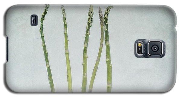 A Bunch Of Asparagus Galaxy S5 Case by Priska Wettstein