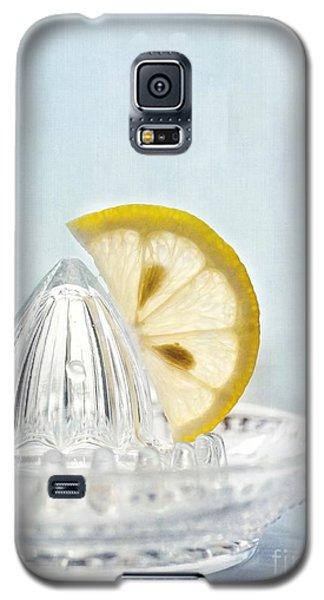 Still Life With A Half Slice Of Lemon Galaxy S5 Case by Priska Wettstein