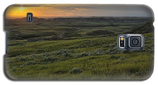 Sunset Over Killdeer Badlands Galaxy S5 Case by Robert Postma