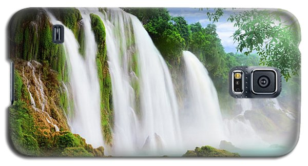 Water Galaxy S5 Cases - Detian waterfall Galaxy S5 Case by MotHaiBaPhoto Prints