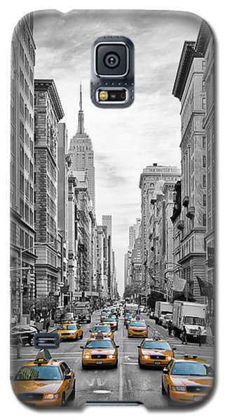 5th Avenue Yellow Cabs - Nyc Galaxy S5 Case by Melanie Viola