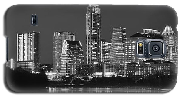 Austin Skyline At Night Black And White Bw Panorama Texas Galaxy S5 Case by Jon Holiday