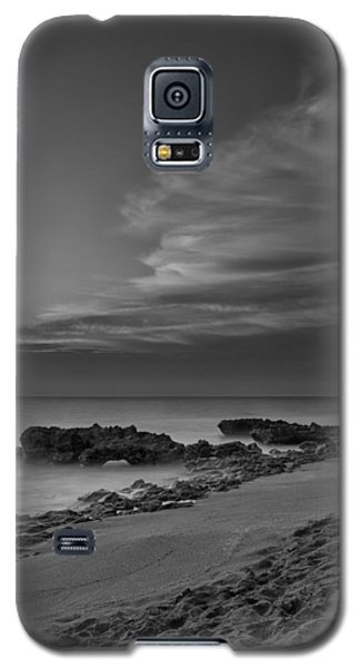 Moon Galaxy S5 Cases - Blowing Rocks Black and White Sunrise Galaxy S5 Case by Andres Leon